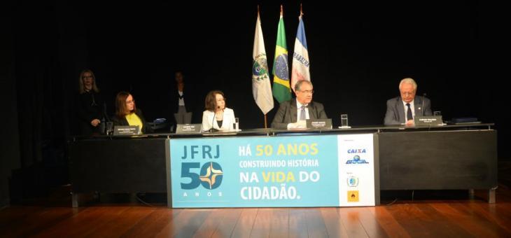 Mesa de abertura da solenidade comemorativa do Jubileu de Ouro da JFRJ