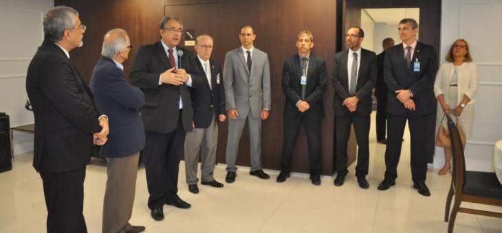 TRF2 promove encontro com autoridades de segurança e serviços públicos