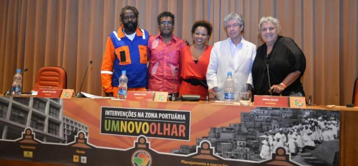 Os palestrantes Damião Braga, Cláudio Honorato, Adriana Cruz, Milton Guran e Merced Guimarães