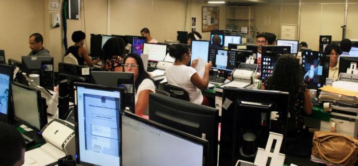 Esforço concentrado de estagiários e servidores para digitalizar e higienizar os processos