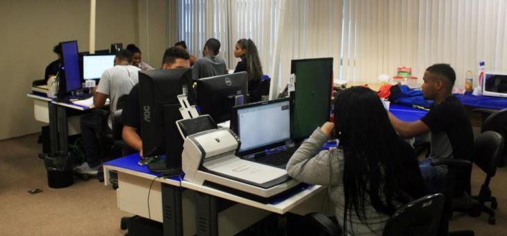 Empregados terceirizados e estagiários também compõem as centrais de digitalização da 2ª Região