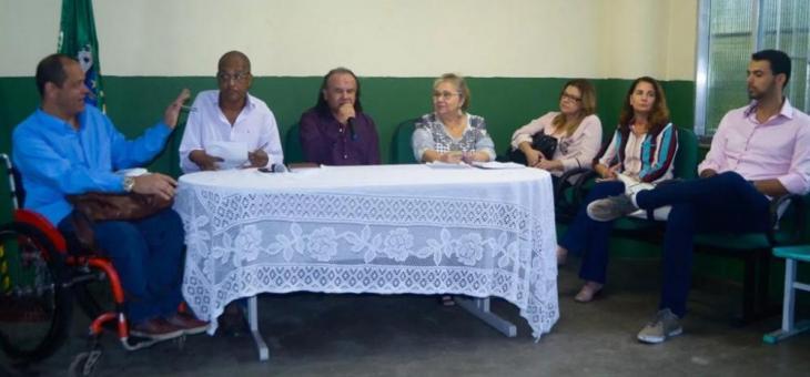 Juíza federal Claudia Valeria Mello (3ª a partir da direita) participa do II Encontro dos Conselhos Municipais de Defesa dos Direitos da Pessoa com Deficiência da Baixada Fluminense