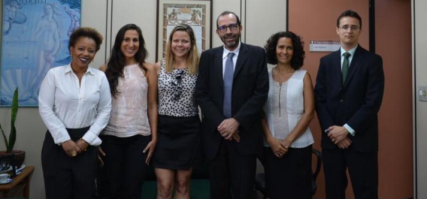 A partir da esquerda: Adriana Cruz, Mariana Almeida, Ana Faulhaber, Osair Victor, Valéria Caldi e Frederico Montedonio
