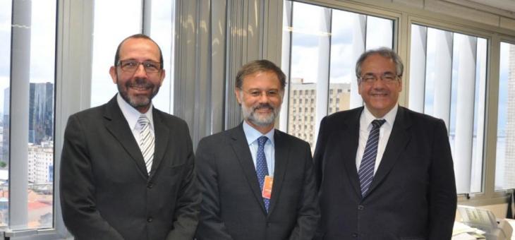 A partir da esquerda: Osair Victor de Oliveira Junior, Carlos Raposo e André Fontes