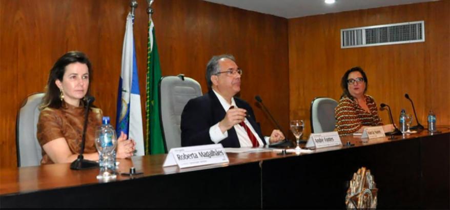 Presidente do TRF2 encerra fórum com especialistas em propriedade intelectual