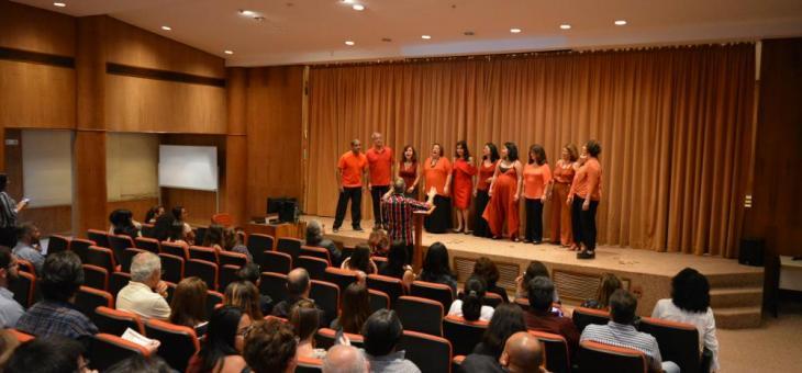Encerrando a cerimônia no Fórum Marilena Franco, na avenida Venezuela, o grupo vocal Almanaque