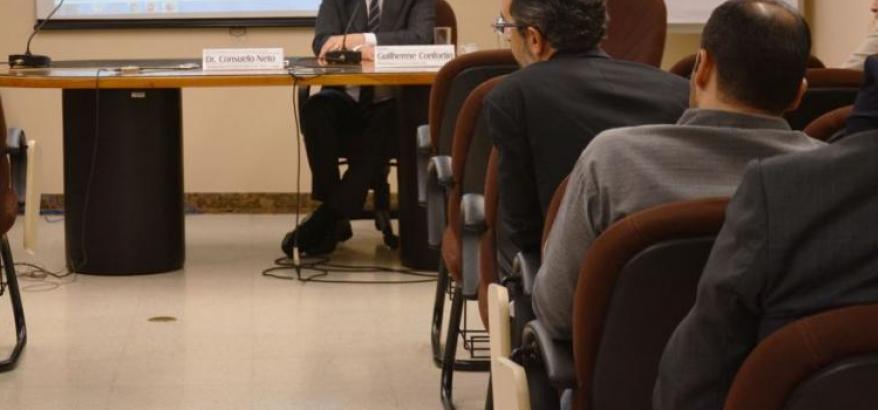Consuelo Silveira Neto apresenta o sistema aos juízes federais