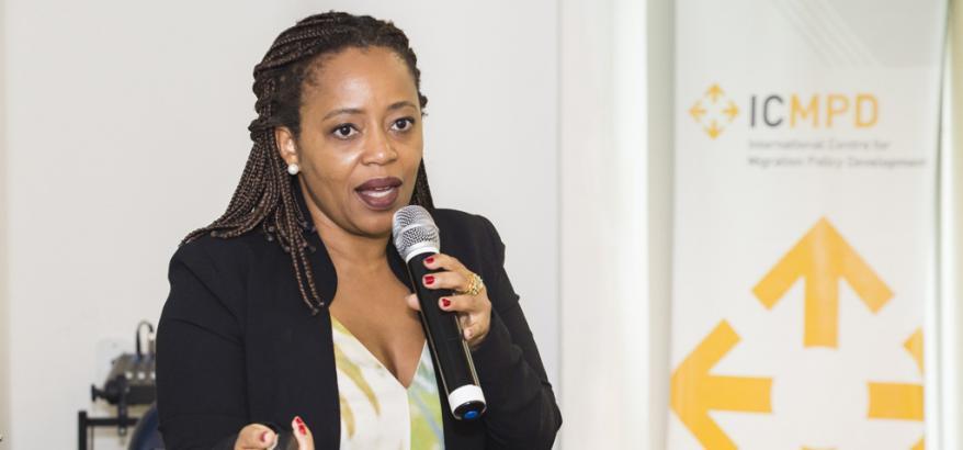 Juíza federal Adriana Cruz ministra aula em curso promovido pelo Centro Internacional para o Desenvolvimento de Políticas Migratórias