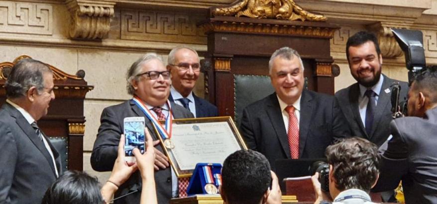 Juiz Federal Firly Nascimento Filho é condecorado com a Medalha de Mérito Pedro Ernesto da Câmara Municipal do Rio de Janeiro