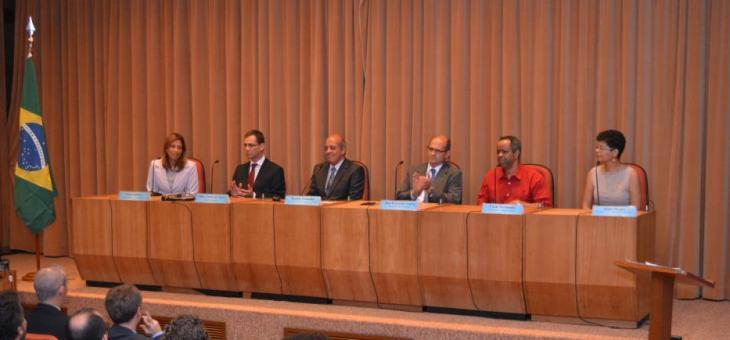 O Diretor do Foro, Renato Pessanha, presidiu a mesa do evento