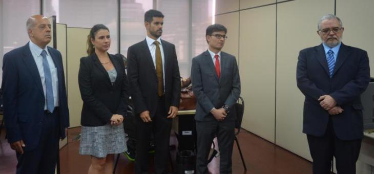 Juízes federais Renato Pessanha, Aline Miranda e Marcel Correa, representante da ECT Marcos Martins e desembargador federal Ferreira Neves