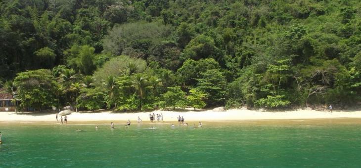 Praia em Paraty