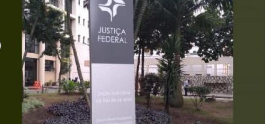 Oficiais de justiça da JFRJ cumprem mandados de citação e intimação na região do Horto
