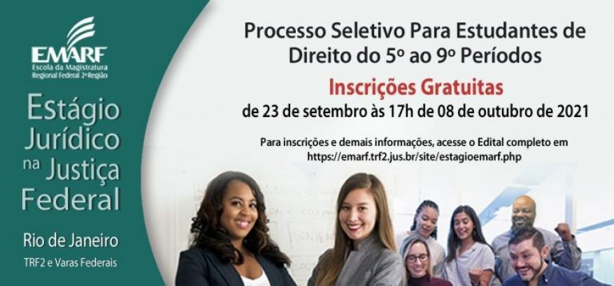 Grupo de sete estudantes, sorrindo, em fundo branco, com o anuncio do processo seletivo em destaque