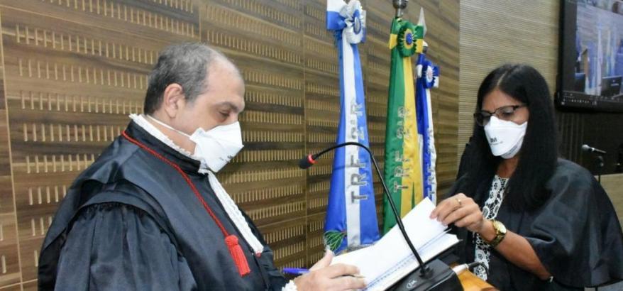 Nova gestão do TRF2 é empossada em sessão solene do Plenário