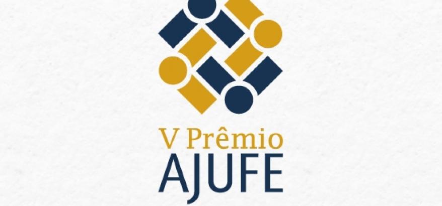 Logotipo e título do V Prêmio AJUFE- Boas Práticas de Gestão, em azul e dourado, sobre fundo branco